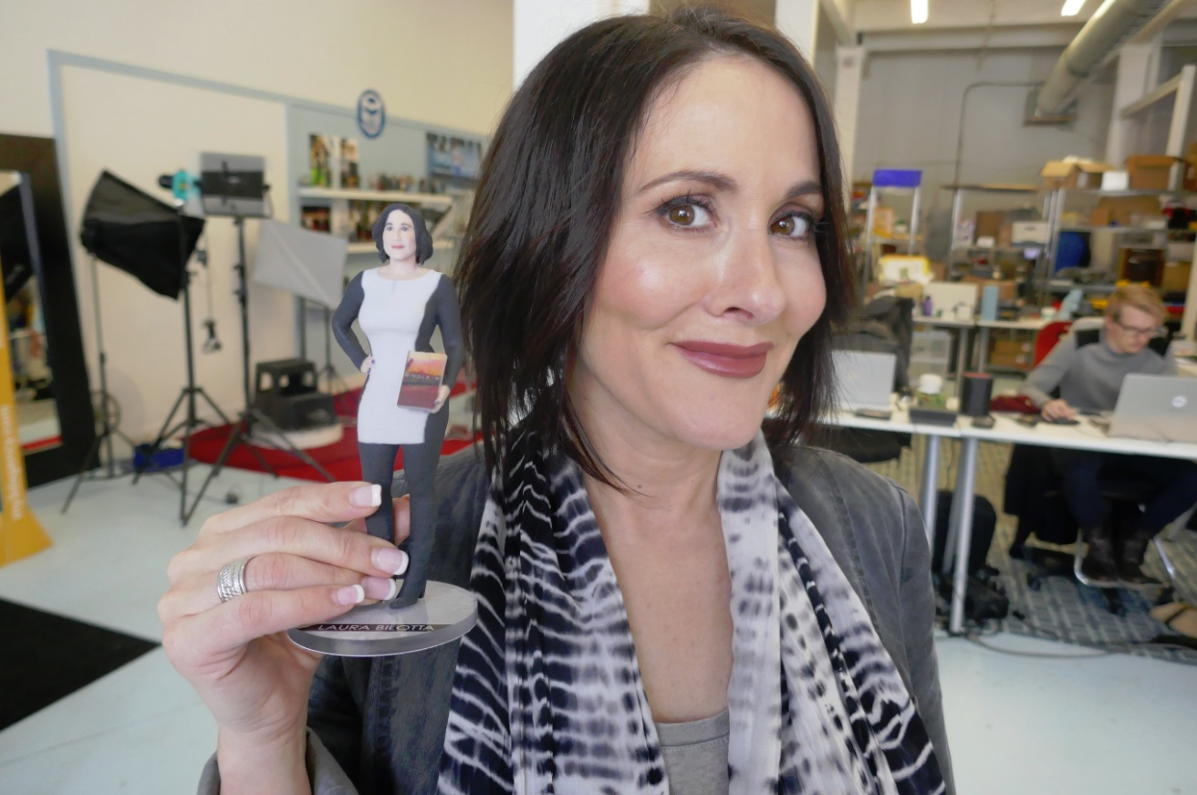 Laura Bilotta from Single in the City with 3d printing figurine
